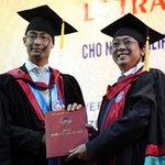 Tin tức trong ngày - Phó Thủ tướng Đức gốc Việt nhận bằng tiến sĩ danh dự
