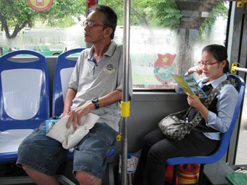 Xe buýt nhỏ thông minh chính thức hoạt động - 2