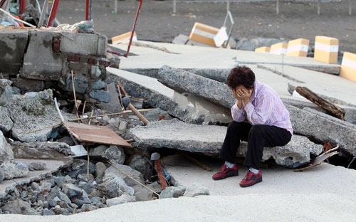Hình ảnh về sức tàn phá dữ dội của bão Sanba - 6