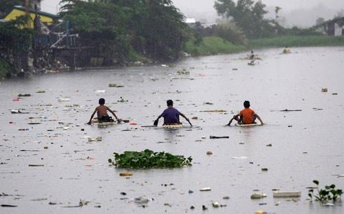 Hình ảnh về sức tàn phá dữ dội của bão Sanba - 9