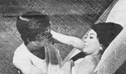 Những cảnh táo bạo phim Việt xưa - 1