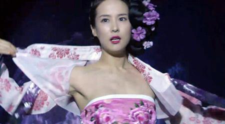 Cảnh khoe ngực lộ liễu của phim Hàn - 5