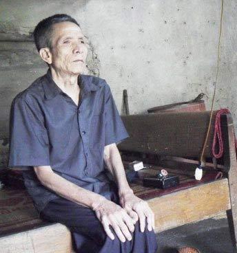 Ông lão cô độc, mù lòa 30 năm ngóng con - 2