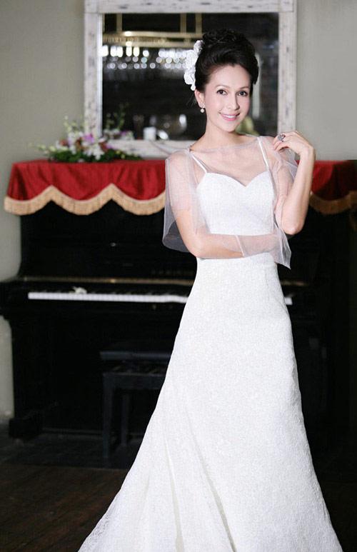 Mỹ nhân Việt đọ sắc cùng váy cưới - 3