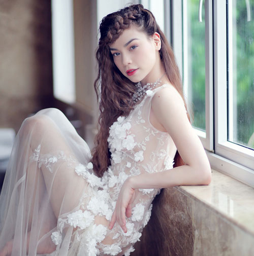 Mỹ nhân Việt đọ sắc cùng váy cưới - 9