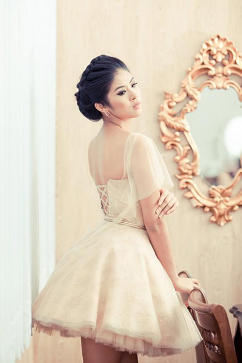 Mỹ nhân Việt đọ sắc cùng váy cưới - 16