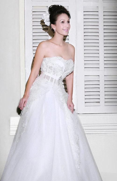 Mỹ nhân Việt đọ sắc cùng váy cưới - 4