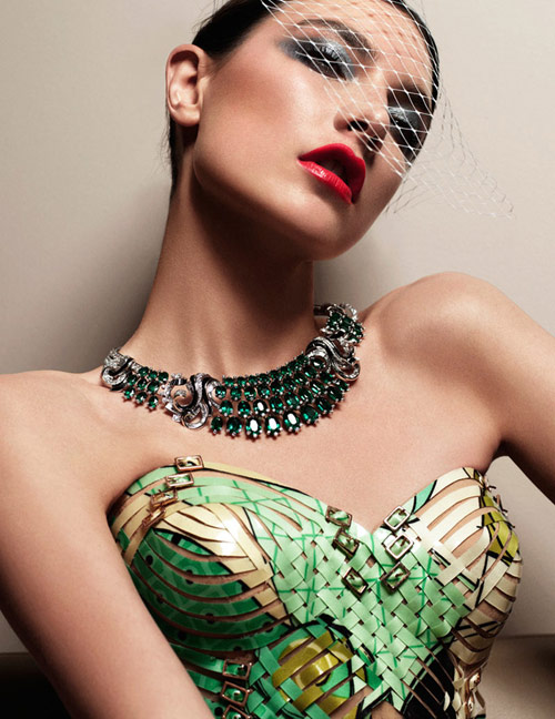 Người mẫu 9X khoe trang sức xa xỉ - 11