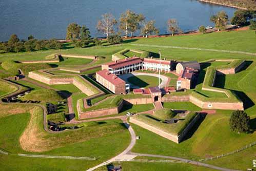10 pháo đài kiên cố hình sao - 6