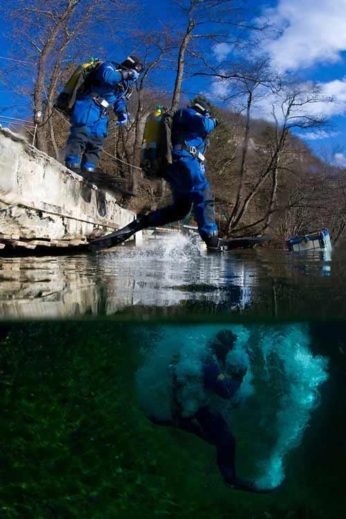 Bí ẩn dưới đáy hồ nước xanh ngắt kì ảo - 14
