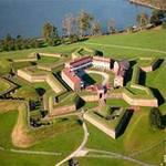 Phi thường - kỳ quặc - 10 pháo đài kiên cố hình sao