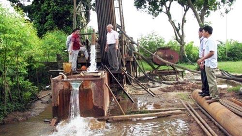 Phát hiện nguồn nước ngầm siêu sạch tại HN - 1