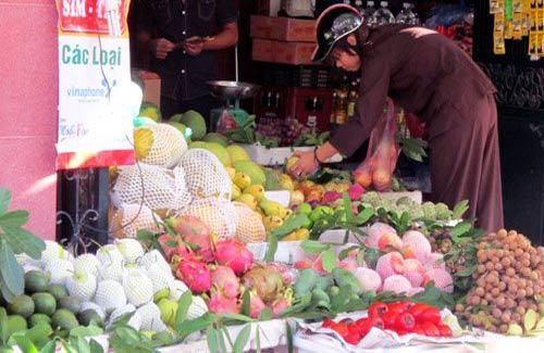 Bị 'ghẻ lạnh', rau quả Trung Quốc ế ẩm - 2