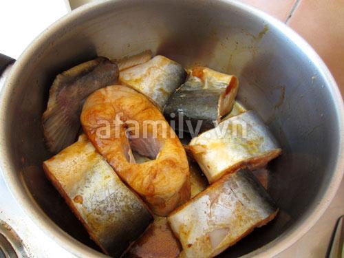 Cách làm cá kho dứa ngon - 6