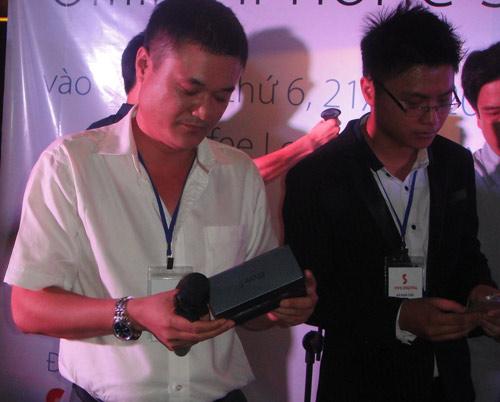 iPhone 5 bắt đầu phân phối tại Việt Nam - 1