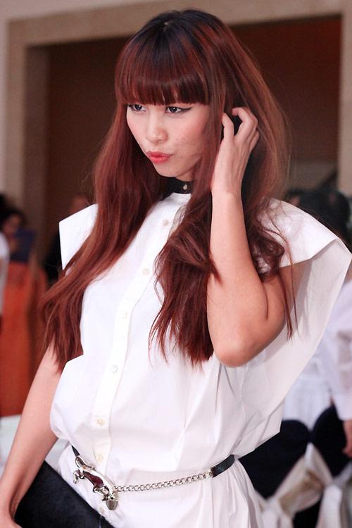 Diva Hồng Nhung nõn nà tuổi 42 - 9