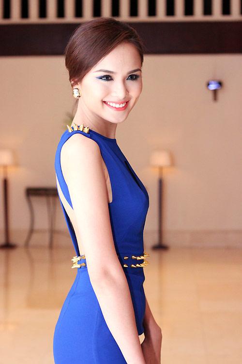 Diva Hồng Nhung nõn nà tuổi 42 - 11