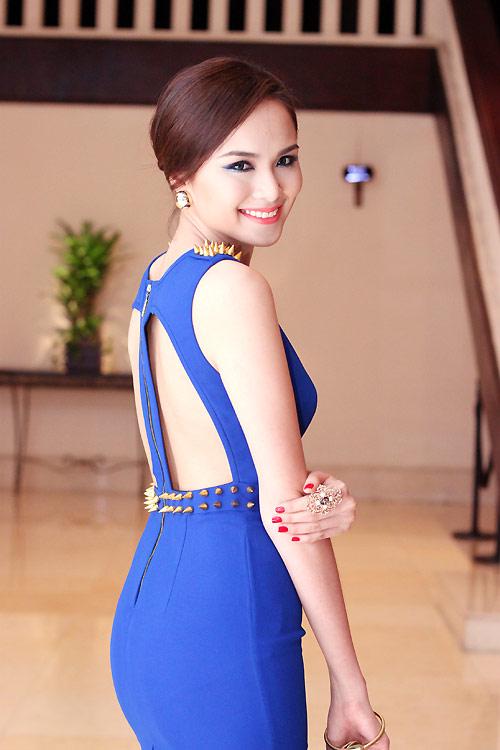 Diva Hồng Nhung nõn nà tuổi 42 - 12