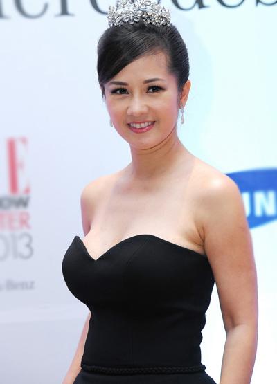 Diva Hồng Nhung nõn nà tuổi 42 - 1