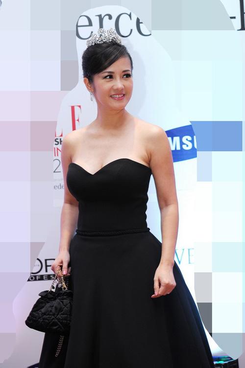 Diva Hồng Nhung nõn nà tuổi 42 - 3