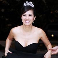 Diva Hồng Nhung nõn nà tuổi 42