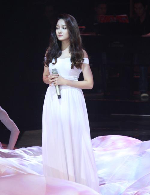 """Hương Tràm khiến khán giả """"phát cuồng"""" - 4"""
