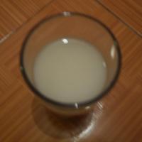 HN: Dân hoang mang vì tin đồn sữa có đỉa