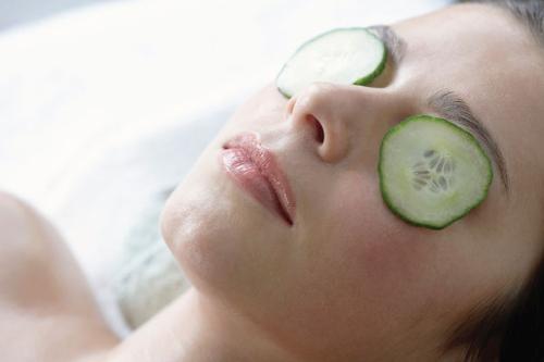 Bí quyết chăm sóc vùng da quanh mắt - 2