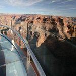 Du lịch - Độc đáo cầu kính lơ lửng Skywalk