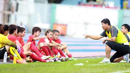 VFF tính chuyện để ĐT nữ dự WC 2015 - 1