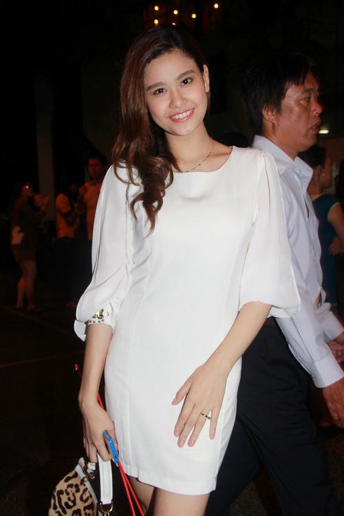 Trương Quỳnh Anh gọn ngỡ ngàng sau sinh - 1