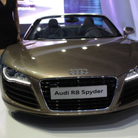 Chi tit siu xe Audi R8 Spyder ti Trin lm