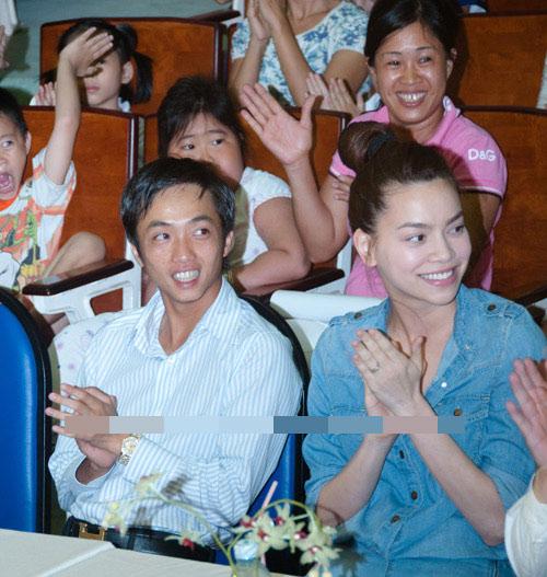 Nhẫn đính hôn lung linh của mỹ nữ Việt - 6