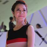 Jennifer Phạm  ' khoe '  đường cong tại Mercedes