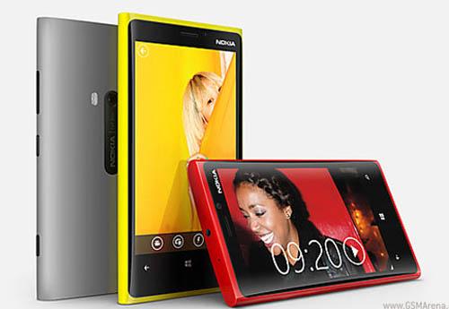 Nokia công bố giá Lumia 920 và Lumia 820 - 1