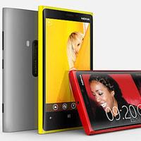 Nokia công bố giá Lumia 920 và Lumia 820