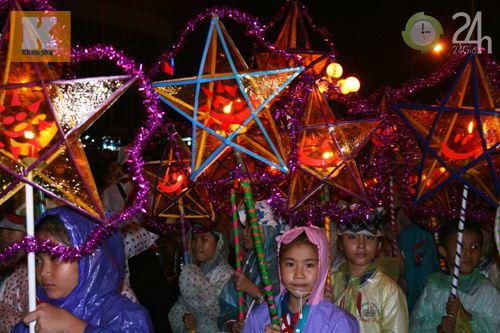 Lễ hội đèn Trung thu lớn nhất VN - 14