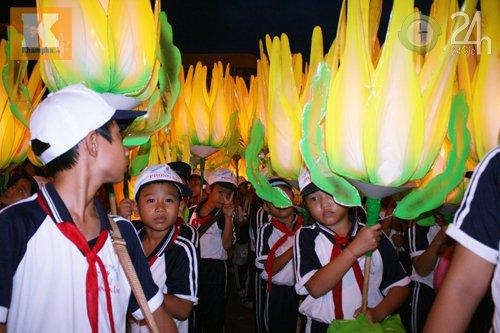 Lễ hội đèn Trung thu lớn nhất VN - 4
