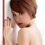 Thời trang - Uyên Linh tự tin làm người mẫu