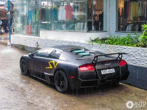 Bộ đôi siêu xe tại Việt Nam lên báo nước ngoài - 6