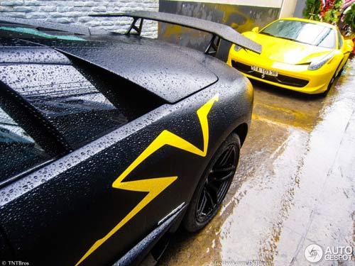 Bộ đôi siêu xe tại Việt Nam lên báo nước ngoài - 9