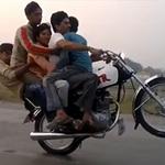 Phi thường - kỳ quặc - Video: Màn bốc đầu gây xôn xao Pakistan