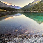 Du lịch - Hồ nước trong nhất thế giới ở New Zeland