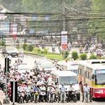 Tin tức trong ngày - HN: Phí đường bộ xe máy 100.000 đồng/năm
