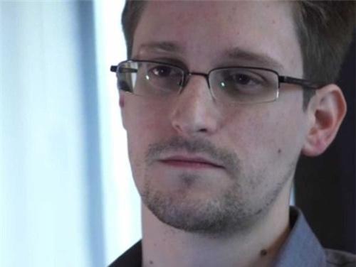 Snowden: Cửa thoát ngày càng hẹp - 2