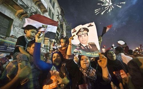 Đảo chính quân sự ở Ai Cập qua ảnh - 3