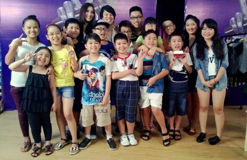 Bích Phương làm stylist cho The Voice Kids, Ca nhạc - MTV, the voice kids, the voice kids 2013, giong hat Viet nhi, Thanh Bui, Hien Thuc, Luu Huong Giang, Ho Hoai Anh, HLV, thi sinh nhi, tin tuc