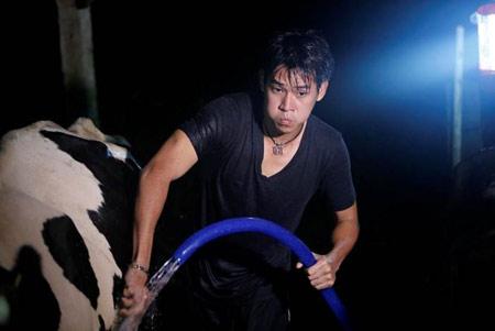 Phùng Ngọc Huy, Trang Trần đẩy xe Jeep bằng tay, Ca nhạc - MTV,
