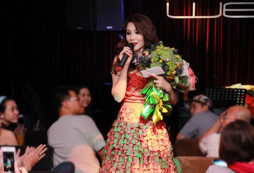 Hà Dũng dẫn con gái xem Hương Hồ, Ca nhạc - MTV, Ho Quynh Huong, Huong Ho, Ha Dung, con gai, tinh cu, nguoi cu, dai gia, dem nhac, tro lai, ngoi sao, tin tuc