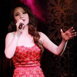 Ngôi sao điện ảnh - Hà Dũng dẫn con gái xem Hương Hồ